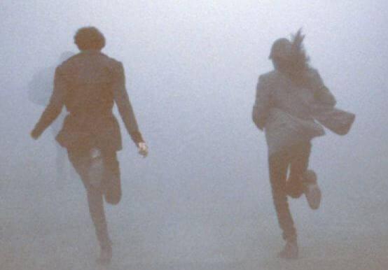 juoksevat sumussa
