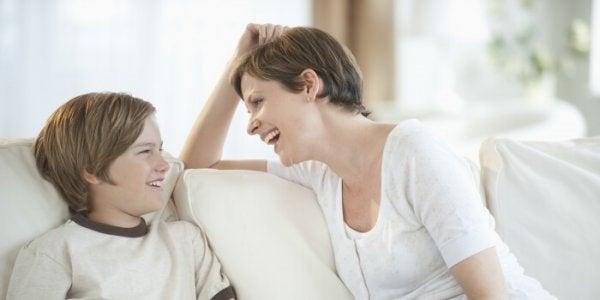 Lasten kanssa neuvotteleminen joka asiasta ei ole demokratiaa, vaan huonoa vanhemmuutta