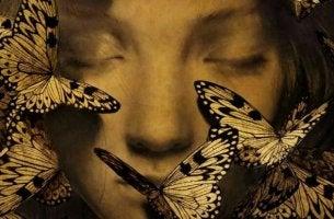 sanat satuttavat ja perhoset ovat kasvoilla
