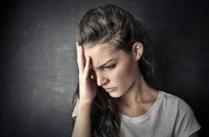hermostunut nainen