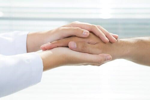 Kädestä pitäen