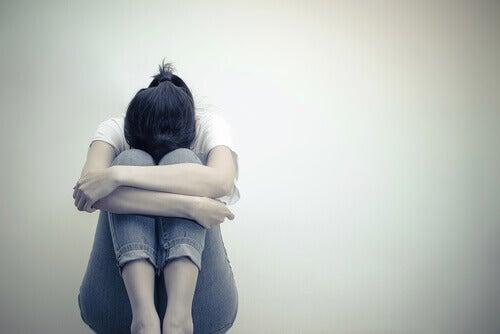 Surullinen nainen