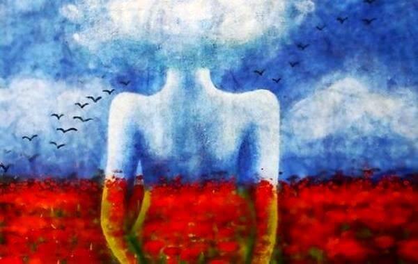 nainen ja pilvet