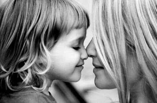 Äiti on äiti, ei paras ystävä