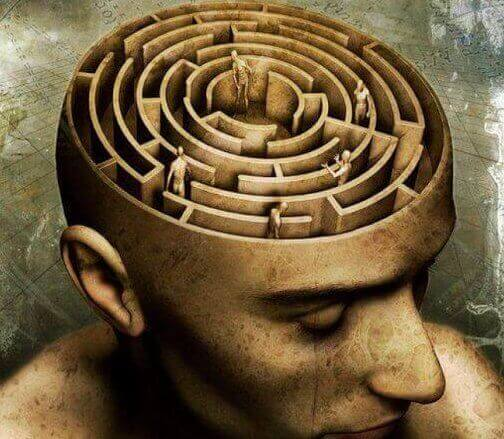 pään sisällä labyrintti