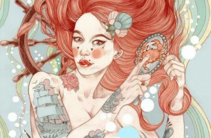 nainen ja tatuoinnit