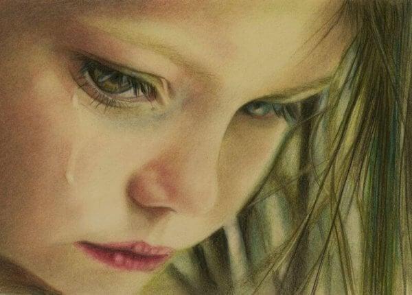 Tyttö kyynelehtii joten on muistettava herkkyys tunnekasvatuksessa
