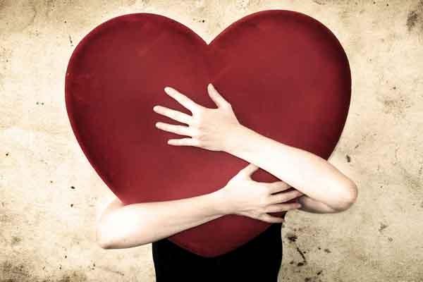 rakasta itseäsi ja halaa sydäntäsi