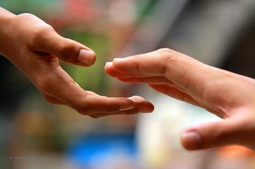 joskus paras tapa auttaa on irrottaa kädestä