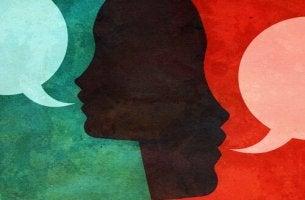 ihmiset ja puhekuplat