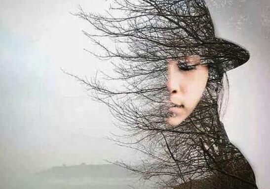 nainen onkin puu