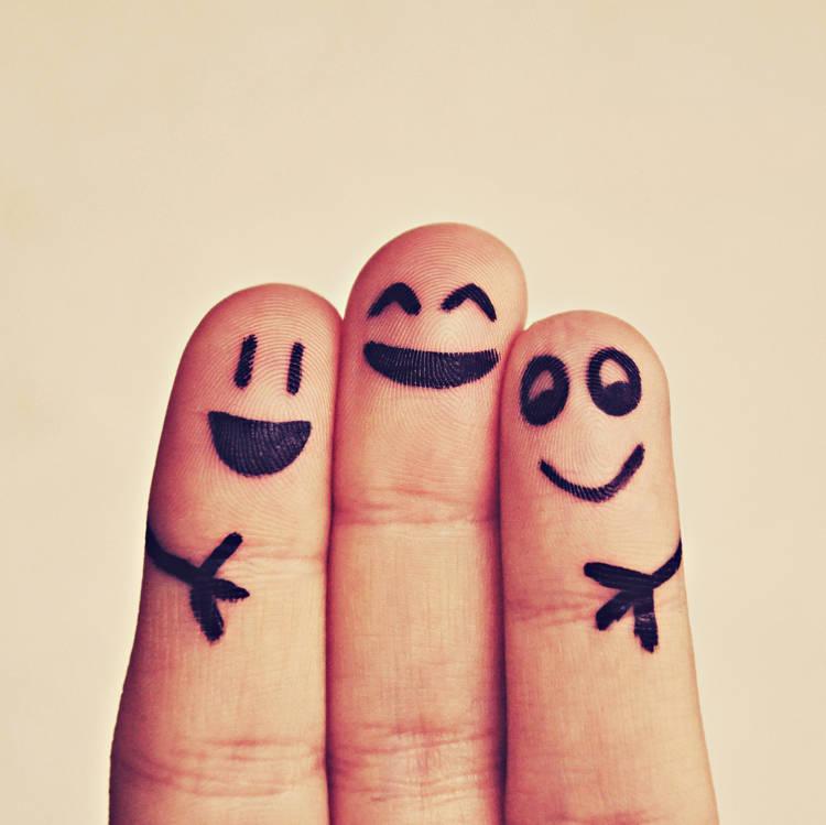 onni löytyy iloisesta sormiperheestä
