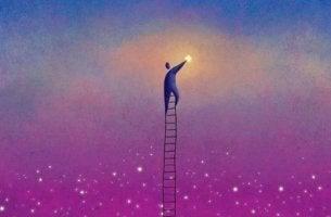 Mies kiipeää tähtiin