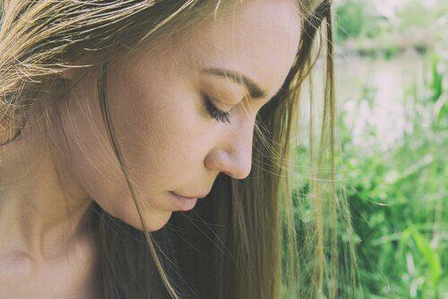 Onko huono itsetunto psyykkisten vaivojen syy?