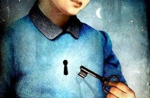 avainreikä sydämen kohdalla ja avain kädessä