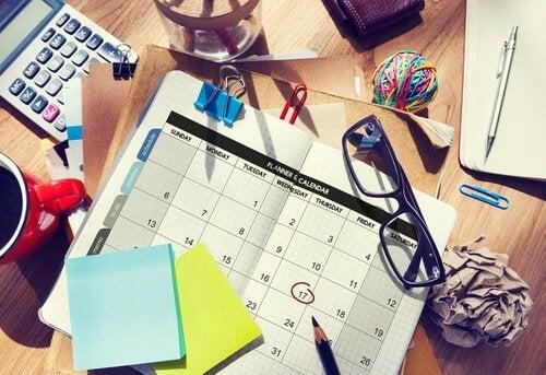 kalenteri ja organisointikyvyt