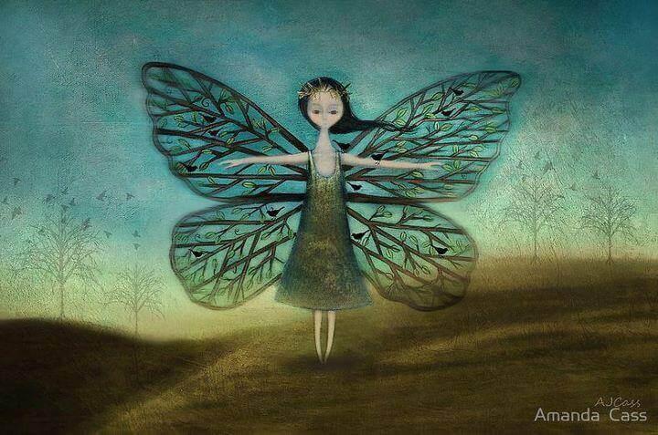 naisella perhosen siivet