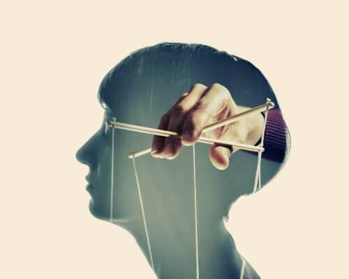 manipulointi pään sisällä