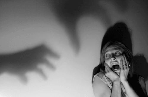nainen ja pelot