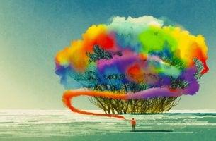 puu täynnä värejä