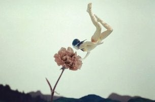 Vedenalainen kukka ja sukeltava tyttö