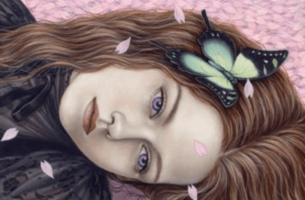 apea nainen perhonen hiuksissaan
