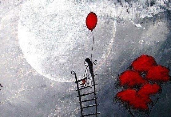 tyttö pyrkii tikapuilla taivaaseen