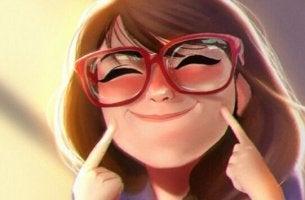 tyttö hymyilee väkisin