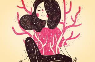 nainen motivoi itseään parempaan itsetuntoon