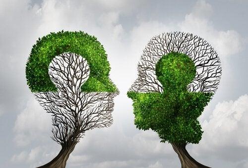 ihmisen pään muotoiset puut ja asettua toisen asemaan