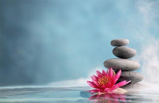 tietoisuustaidon symbolit kivet ja lotus