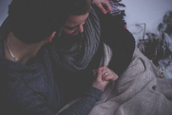 Tiedätkö, miten tuoda asioita myönteisesti esille parisuhteessasi?