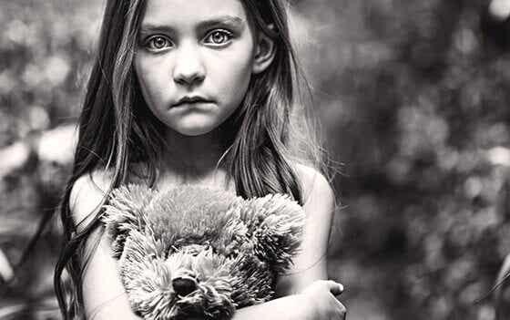Nurkkaan jätetty: unohdetut lapset
