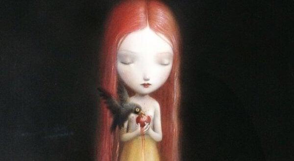 tytön omenaa syö lintu