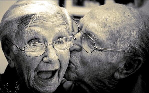 rakastunut vanhapari