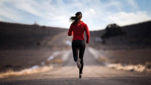 Adrenaliini, suorituskyky ja aktivoiva hormoni