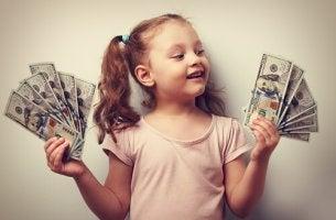 rikkaan lapsen syndrooma, lapsella paljon rahaa
