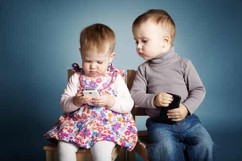 Kolme hyvää syytä olla antamatta lapselle puhelinta
