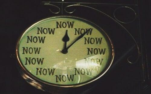 kello on aina nyt