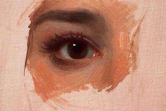 maalattu silmä