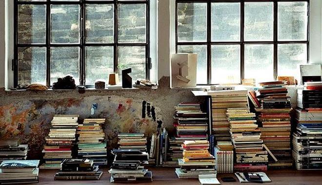 iso kasa kirjoja