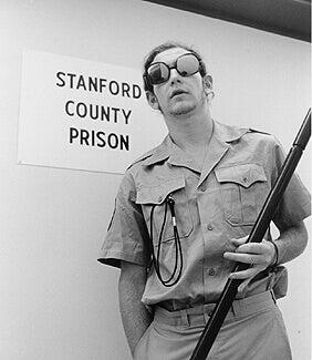 vartija Stanfordin vankilakokeessa