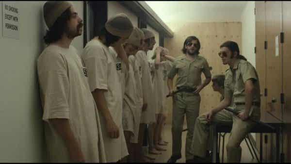 Stanfordin vankilakoe – Miten hyvistä ihmisistä tulee pahoja?