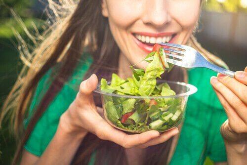 voit vahvistaa immuunijärjestelmääsi syömällä terveellisesti