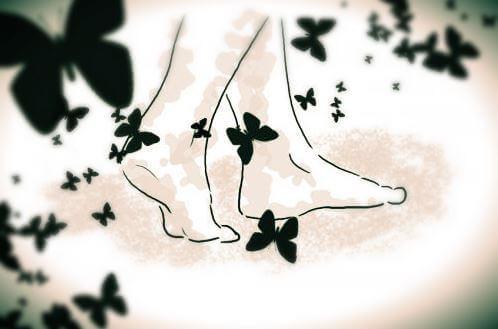 paljaat jalat ja perhosia