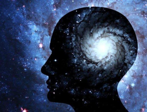 ihmisen päässä avaruus