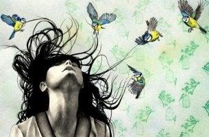 linnut vievät naisen hiuksia