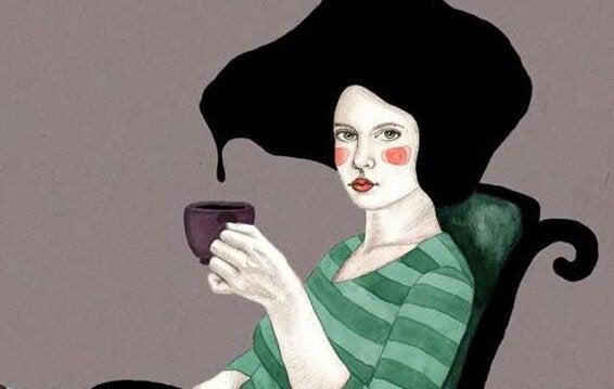 naisen hiukset tippuvat kahvikuppiin