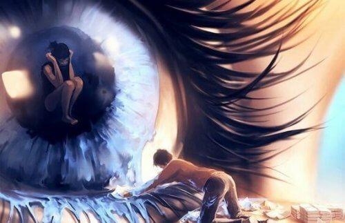 nainen silmässä jota mies pesee