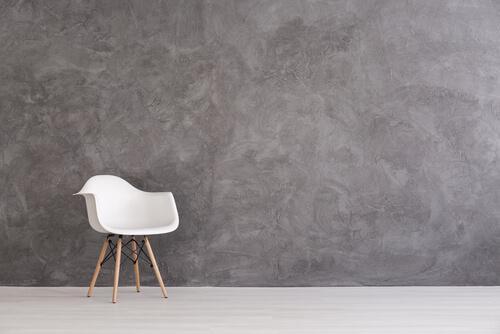 yksinäinen tuoli